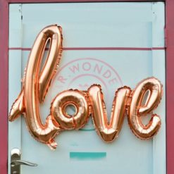 love balloon made of aluminium foil